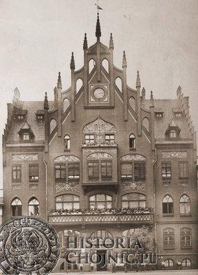Burmistrz Sobierajczyk otrzymał mieszkanie służbowe w ratuszu miejskim.