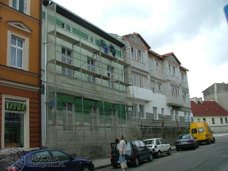 Wybudowano nowe kamienice przy ulicach Piłsudskiego 3 i 5.