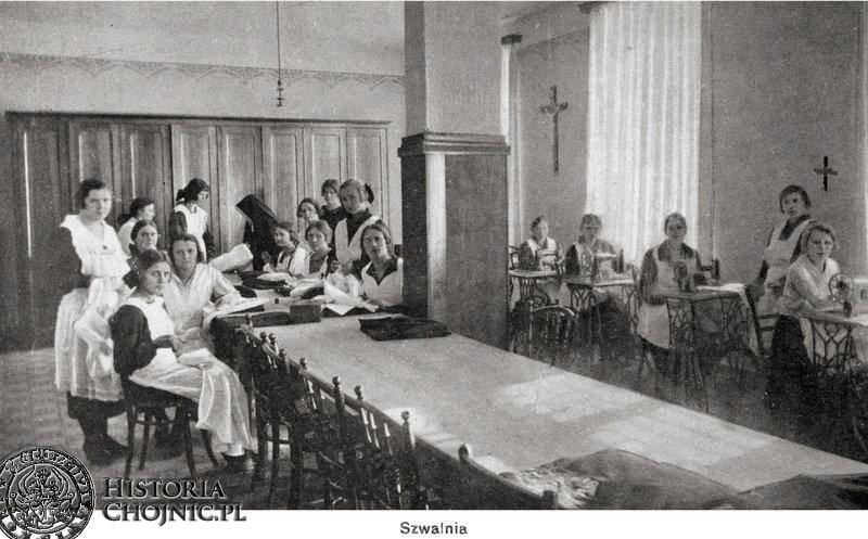 Zajęcia w szwali w szkole żeńskiej w zakł. św. Boromeusza. L. 20.