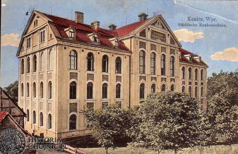 Budynek miejskiej szkoły. Ok 1915 r.