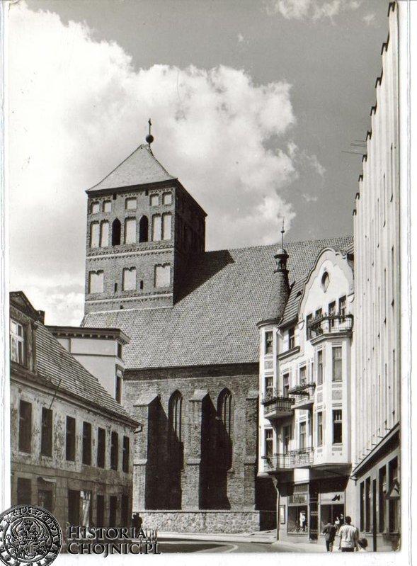 Fragment miasta. Początek l. 70.