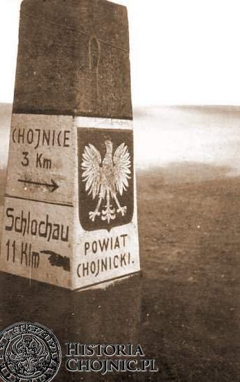 Takie słupy pojawiły się po 1920 r, kiedy Chojnice znalazły się w granicach Polski.