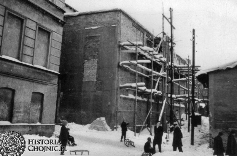 Odbudowa budynku w ktorym zlokalizowano kino Kosmos.