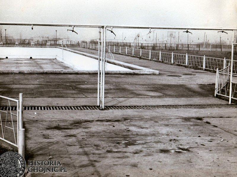 Niecka basenu odkrytego na Centrum Sportowym.