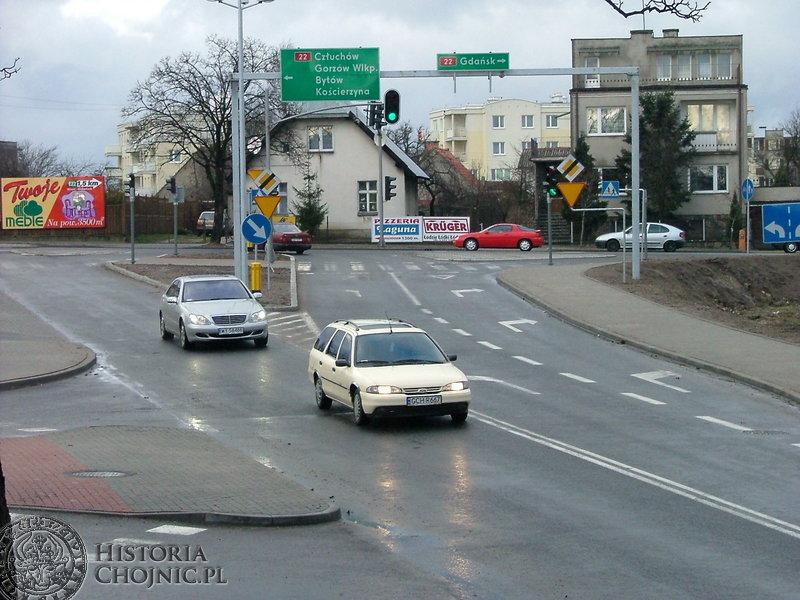 Skrzyżowanie Gdańska – Tucholska – Towarowa. Celem tej inwestycji była poprawa bezpieczeństwa ruchu drogowego.