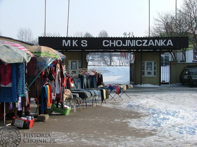 Nie ma juz bazarowych sprzedawców przed stadionem Chojniczanki.