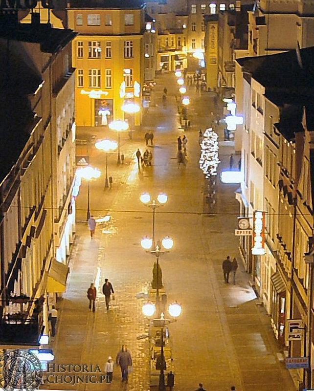 Chojnice  w 2004 r. uzyskały pierwszą nagrodę w konkursie na najlepiej oświetloną gminę w Polsce.
