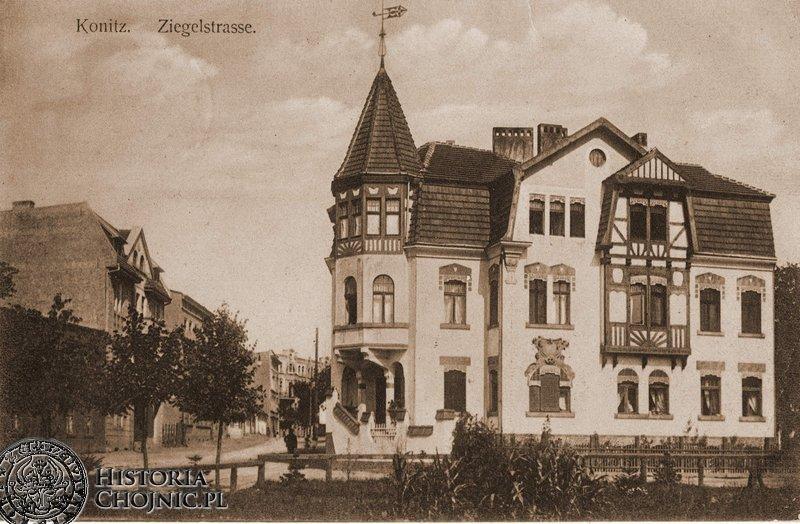 Kamienica i widok na obecną ul. Mickiewicza. Ok. 1910 r.