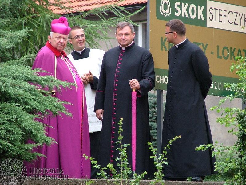 Pielgrzymów  chojnickich w kolejnej pielgrzymce do Częstochowy żegnał ks. biskup pelpliński Jan Bernard Szlaga.