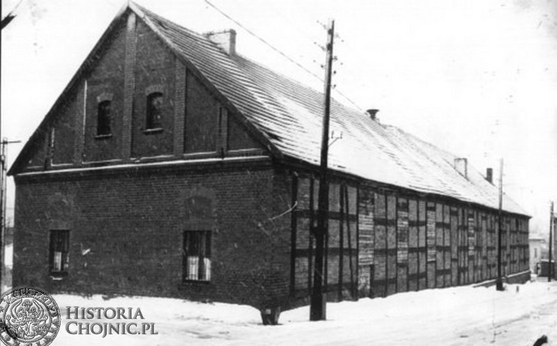 Stara remiza strażacka przy pl. Piastowskim. L. 50-te.