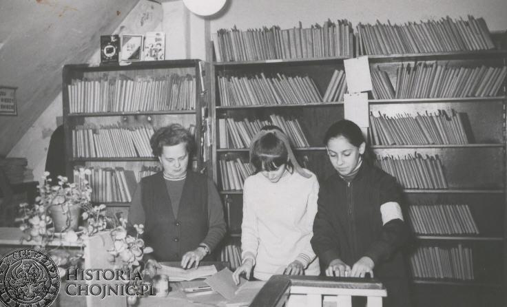 Lata 1960 - 1970. Szkolna biblioteka.