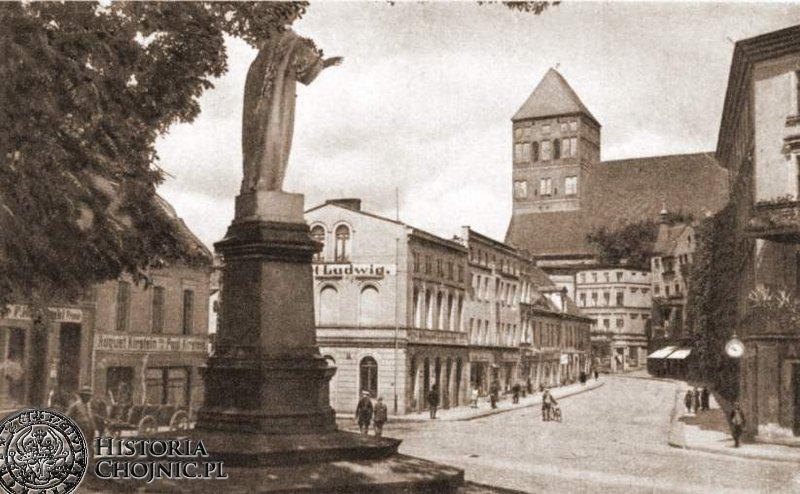 Pomnik Chrystusa Króla stanał w miejscu figury niemieckiego cesarza. L. 30.
