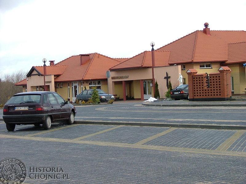 Dom Pogrzebowy. To prywatna inwestycja państwa Porożyńskich – administratorów cmentarza komunalnego.