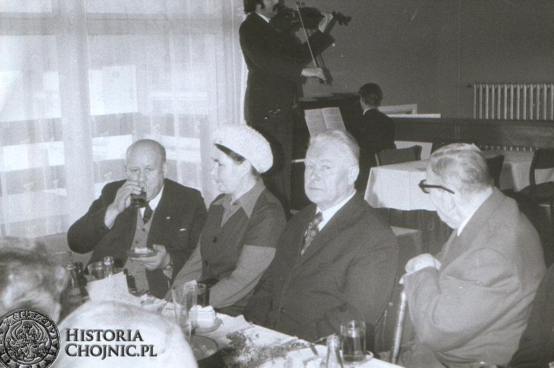 Kawiarnia Słoneczna. Pierwszy z lewej - Albin Makowski.