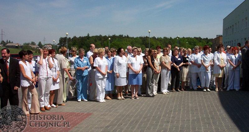 W uroczystości wręczenia certyfikatu akredytacyjnego szpitala udział wzięli pacjenci i personel.
