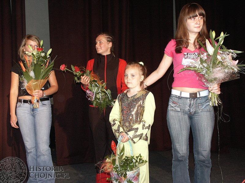 Nie jest łatwo osiągnąć poziom artystyczny w pokazach tańca nowoczesnego jaki prezentują chojnickie dziewczęta z ChDK.