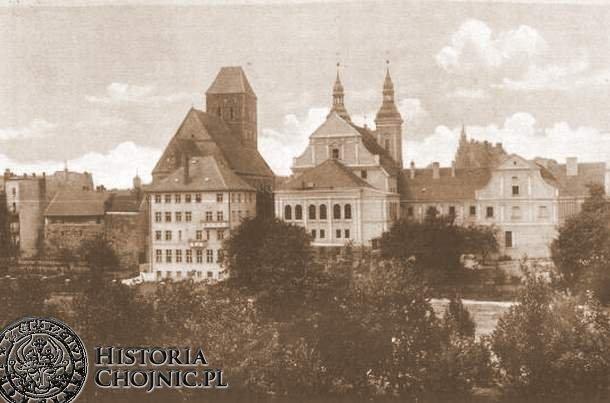 Zabudowania plebani i gimnazjum. Ok 1940 r.