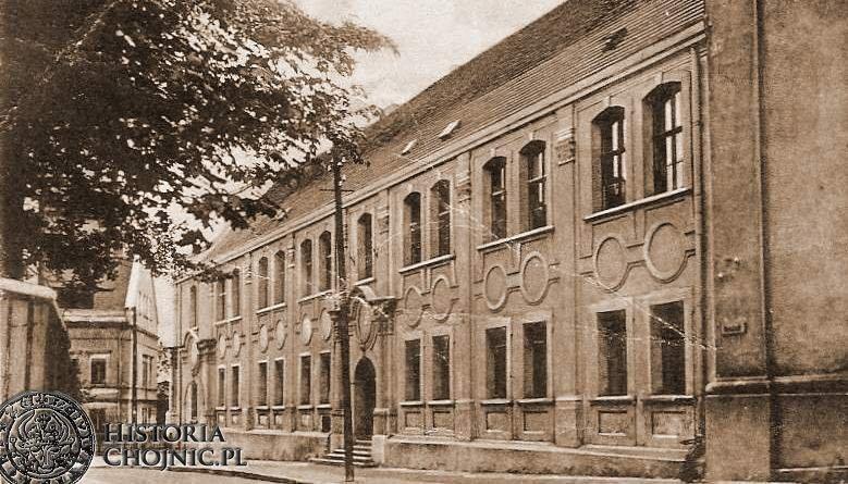 Budynek gimnazjum.
