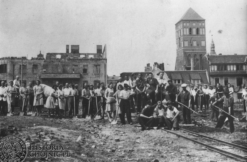 Odbudowa miasta ze zniszczeń wojennych. L. 40.