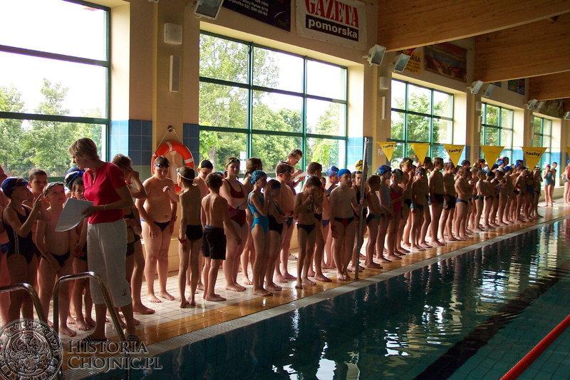 160 zawodników stanęło na starcie mistrzostw Chojnic w pływaniu szkół podstawowych.