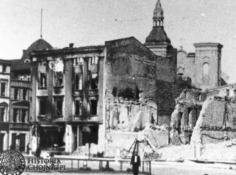 Spalony przez żołnierzy radzieckich budynek Hotelu Priebe.