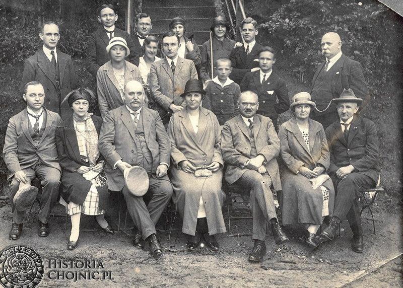 Zdjęcie ze zb. rodziny Lange. Burmistrz Sobierajczyk z rodziną Ulandowskich i przyjaciółmi.