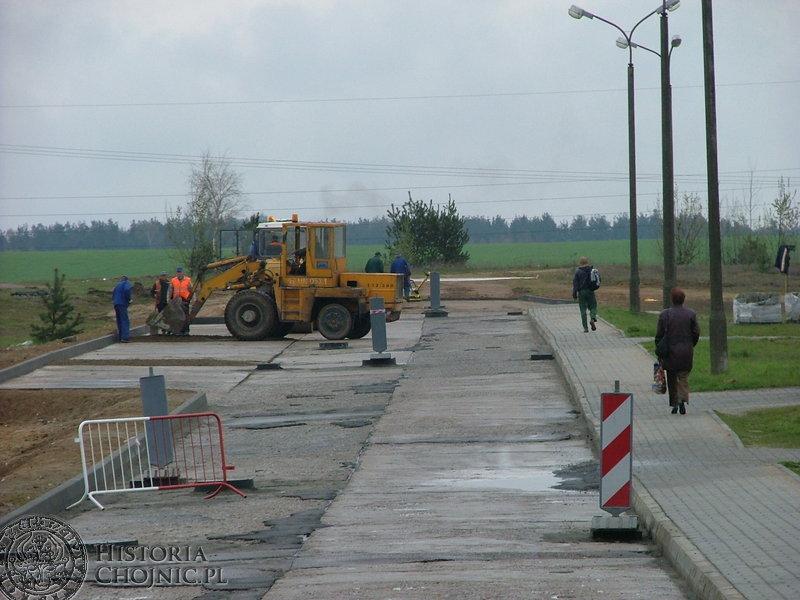 Trwają Prace na ulicy Karsińskiej. Mimo nieprzewidzianych trudności mają się one zakończyć w terminie.