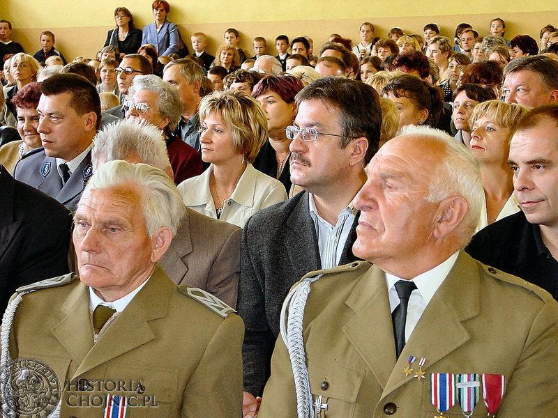 Poetka najmłodszych Wanda Chotomska została patronem Szkoły Podstawowej w Pawłowie. Uroczystość zgromadziła wiele osób.