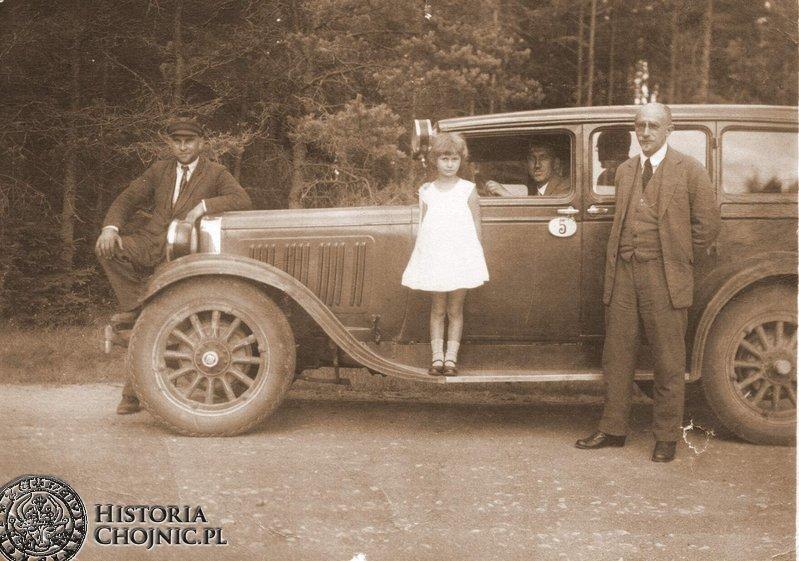 Zdjęcie z albumu rodziny Bonin. Niedzielna przejażdżka do Parku Miejskiego.