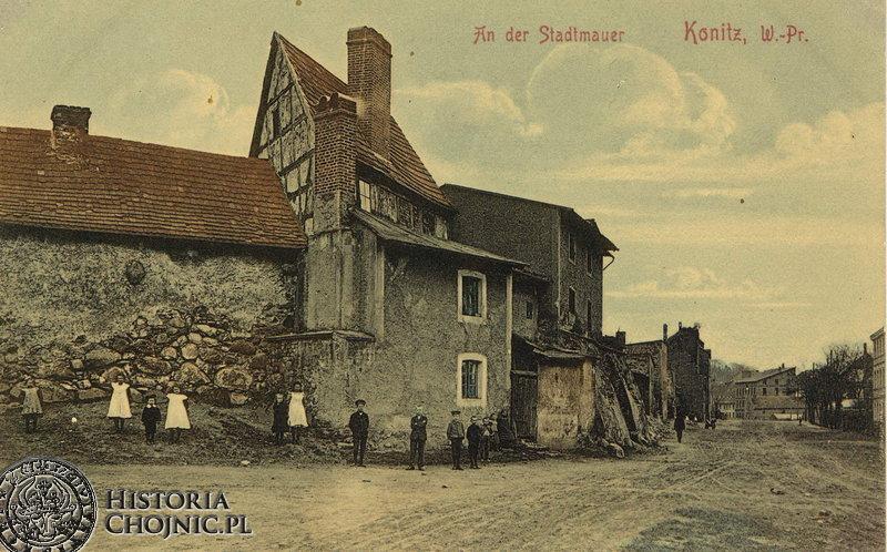 Mury obronne i zabudowa ok 1905 r. Obecnie ul Sukienników.
