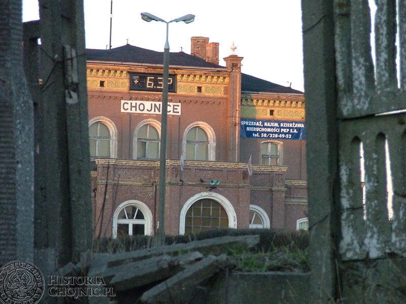 Dworzec PKP nie jest wizytówką miasta.