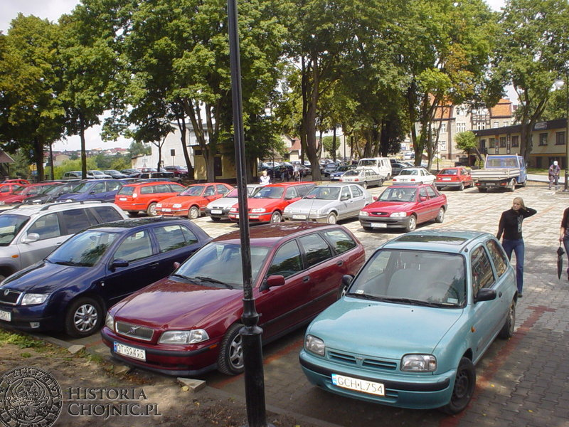 Oddano do użytku parking przy Stadionie Chojniczanka. Wyznaczono tam ponad 90 miejsc parkingowych.