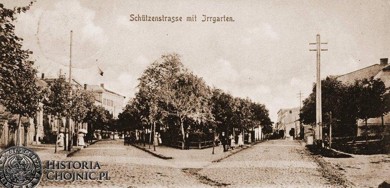 Skwer przy zbiegu ulic Strzeleckiej i Batorego. Ok. 1915 r.