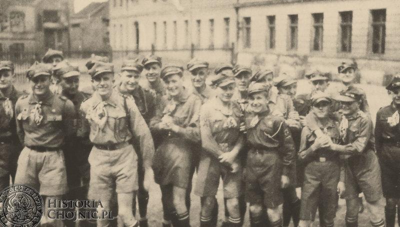 Kolejowa drużyna Harcersko - Żeglarska na zbiórce w Gimnazjum. 1938 r.