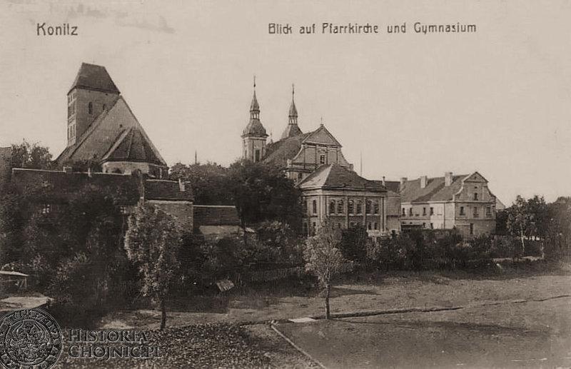 Zabudowania gimnazjum i kościoły. Ok. 1910 r.
