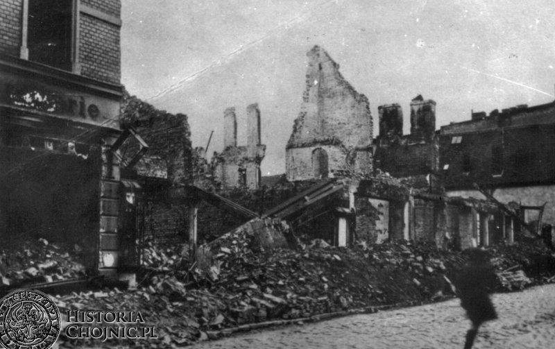 Ruiny zabudowy rynku. 1945 r.