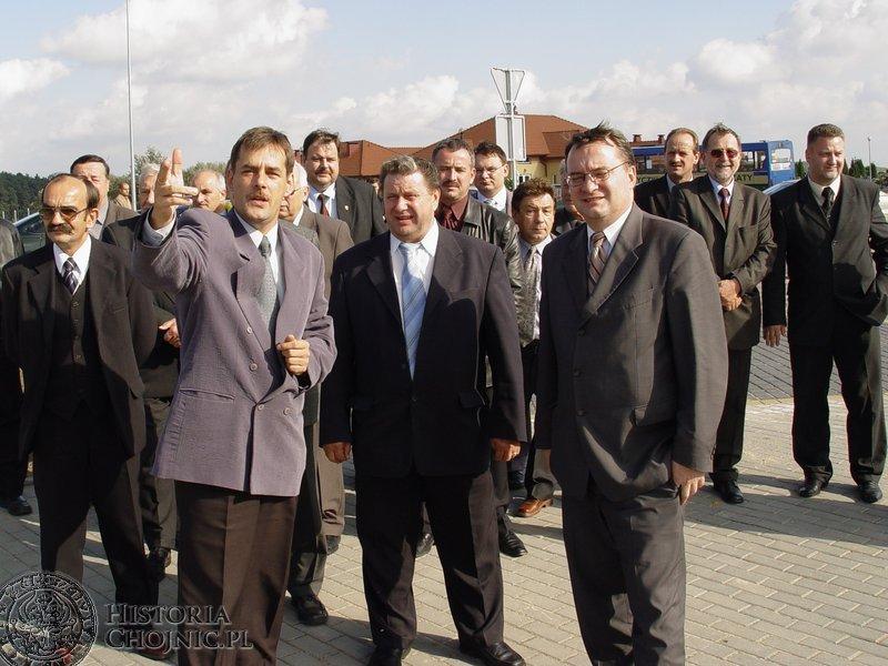Burmistrz Finster opowiadał o walorach ulicy Kościerskiej.