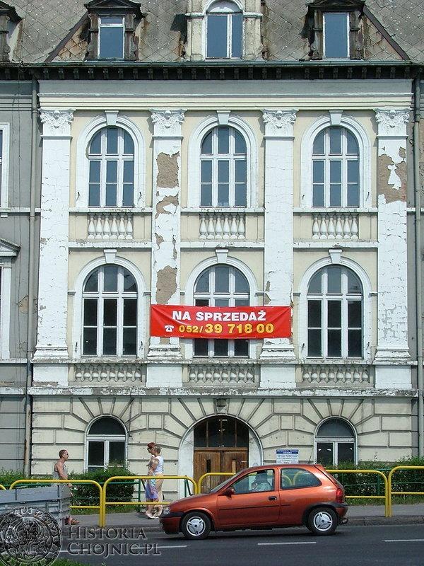 Budynek szpitala przed remontem.