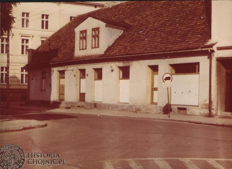 Budynek przy narożniku pl. Jagiellońskiego. L.80.
