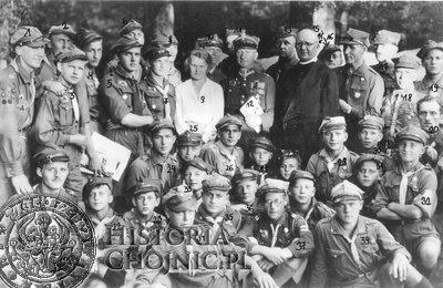 1) Gdaniec Jan, 2) Korzeniowski (?), 3) Lanca (?), 4) Ćwiejkowski Zygmunt, 5) Popek (?), 6) Freze (?), 7) Krawczykiewicz (?), 8) (NN), 9) Matysik Maria, 10) Dziarnowski Józef, 11) (NN), 12) Łukowicz Stefan mjr, 13) Bronisław Lange, 14) (NN), 15) Żuławski (?), 16) (NN), 17) (NN), 18) Hanula Zdzisław,
